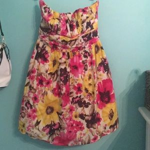 Dresses & Skirts - Floral Tube top dress